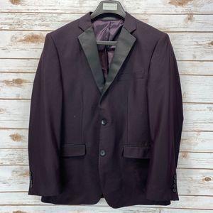 Perry Ellis Slim Fit Wrinkle-Resistant Tuxedo